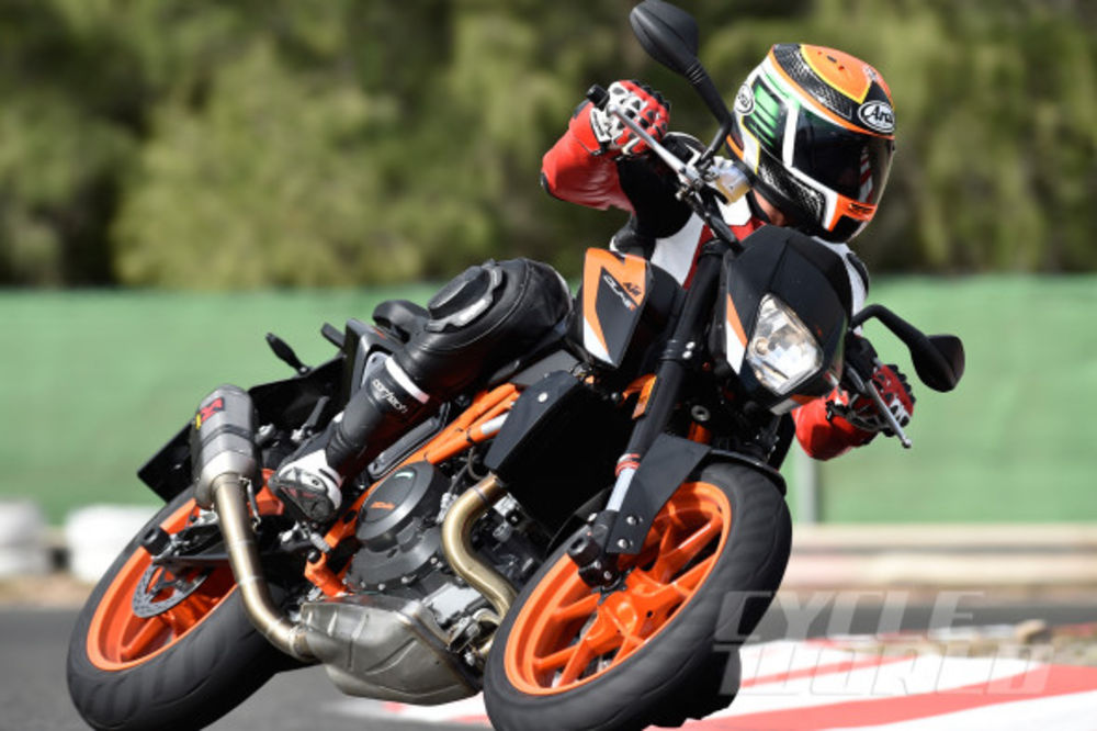 2016 KTM 690 Duke – FIRST RIDE REVIEW