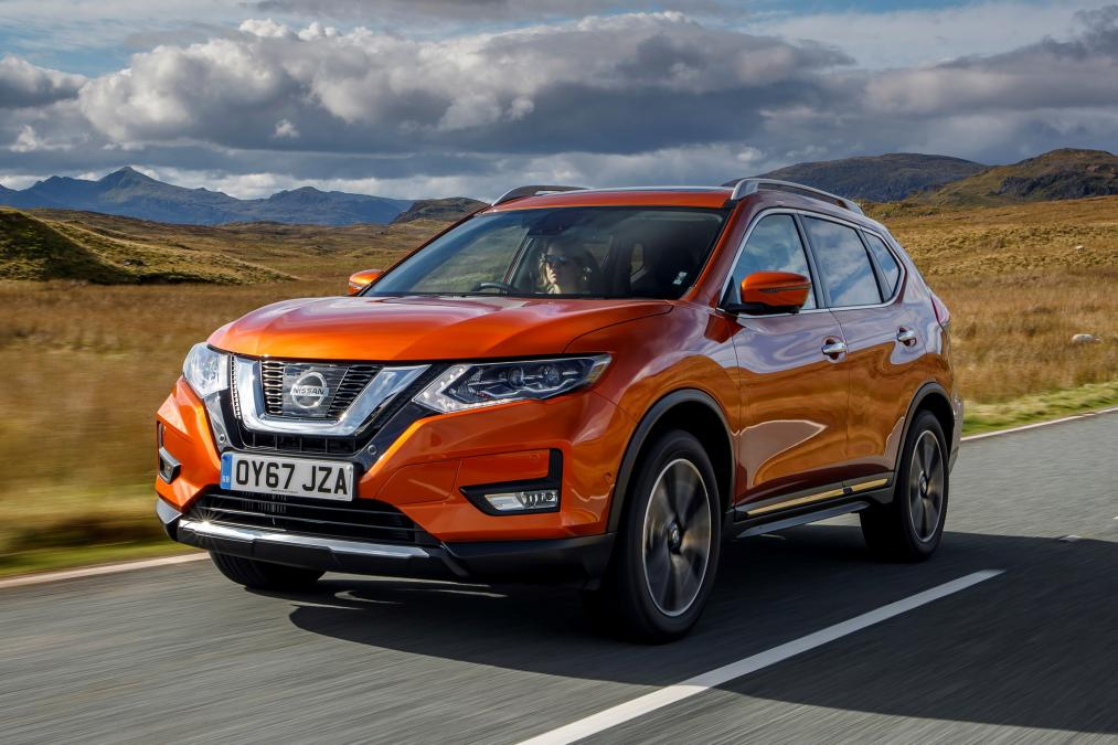 the new nissan x trail 2017 facelift has arrived car and. Black Bedroom Furniture Sets. Home Design Ideas