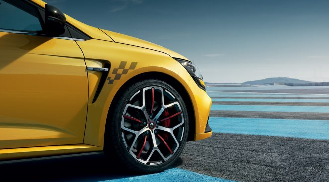 New MEGANE R.S. 300 TROPHY New features and Pricing (2020)