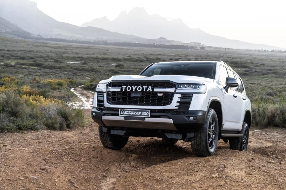 Toyota Land Cruiser 300(2021) Price and Spec